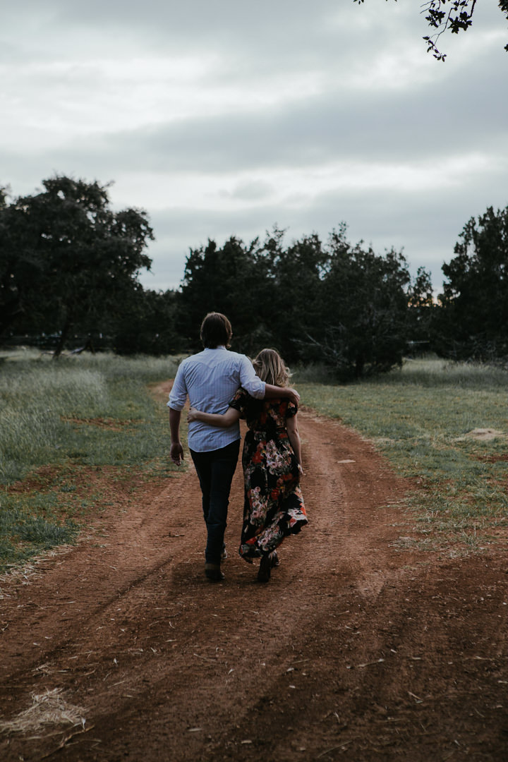 rob-august-photography-engagement-austin-wedding-aubrey-patrick-treaty-oak-distillery-0020