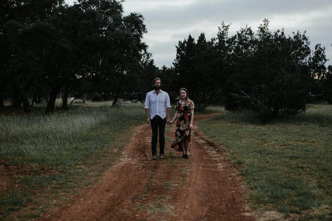 rob-august-photography-engagement-austin-wedding-aubrey-patrick-treaty-oak-distillery-0022